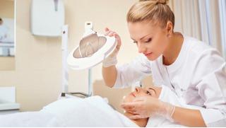 Всесезонный пилинг на выбор, аппаратная биоревитализация, карбокситерапия лица, 7-этапная чистка лица и не только!