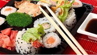 Купон на доставку блюд от студии лепки роллов «Вкус моря». Роллы, суши, сеты, горячие блюда, шашлыки из морепродуктов