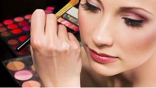 Твоя территория красоты! Курсы «Сам себе косметолог», «Сам себе косметолог и визажист» от школы макияжа! Скидка 90%!
