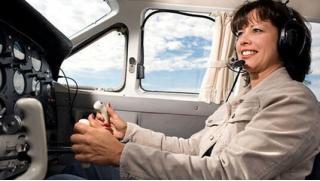 Купон на самолет! Виртуальное пилотирование в авиатренажерном центре FMX aero: 30 или 60 минут на выбор! Скидка 51%!
