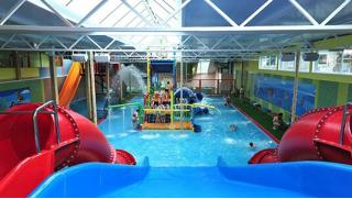 Аквапарк для всех! Целый день в аквапарке Аква-Юна серфинг, горки, водопады, гейзеры, бильярд, сауна для взрослых и детей!