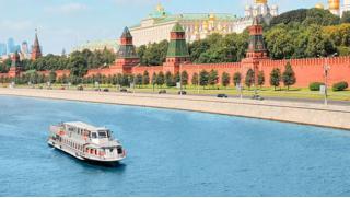 Речной трамвай Москва! Прогулка по Москве-реке для одного или двоих на комфортабельном теплоходе «Фалькон»! Скидка 52%!