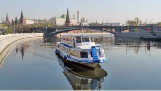 В круиз! Однодневный круиз в Жостово с увлекательной экскурсионной программой на теплоходе «Фалькон»! Скидка 55%!