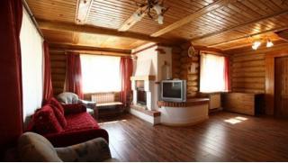Проживание в доме отдыха «Серебряный век» в коттедже с камином для 2 человек! Скидка 42%!