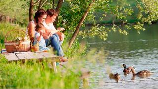 КупонМания! Отдых для компании до 5 человек с посещением русской бани и рыбалкой на базе отдыха «Торопаца»! Скидка 60%!