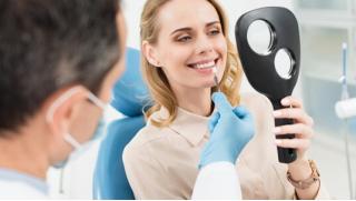 Стоматология! УЗ-чистка зубов с Air Flow, лечение кариеса с установкой пломбы и не только в стоматологии Demokrat!